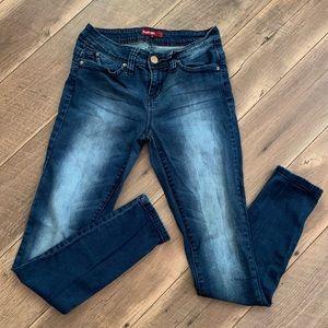 YMI • Skinny Jeans • Size 9